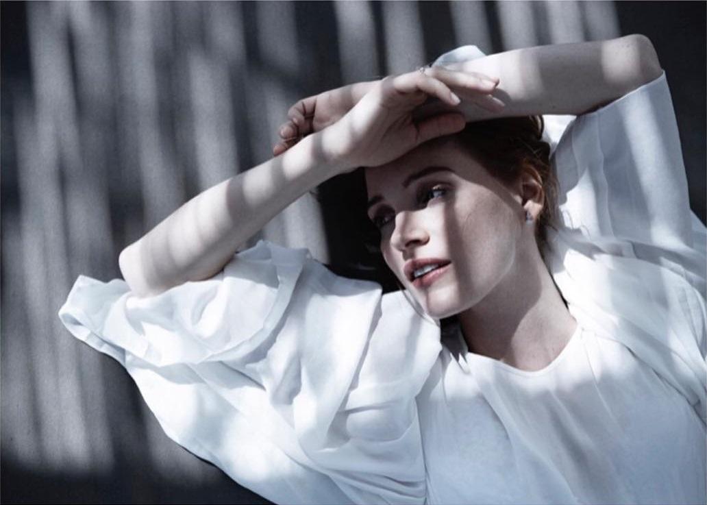 FOTOS + ENTREVISTA: Jessica na edição de novembro da C Magazine