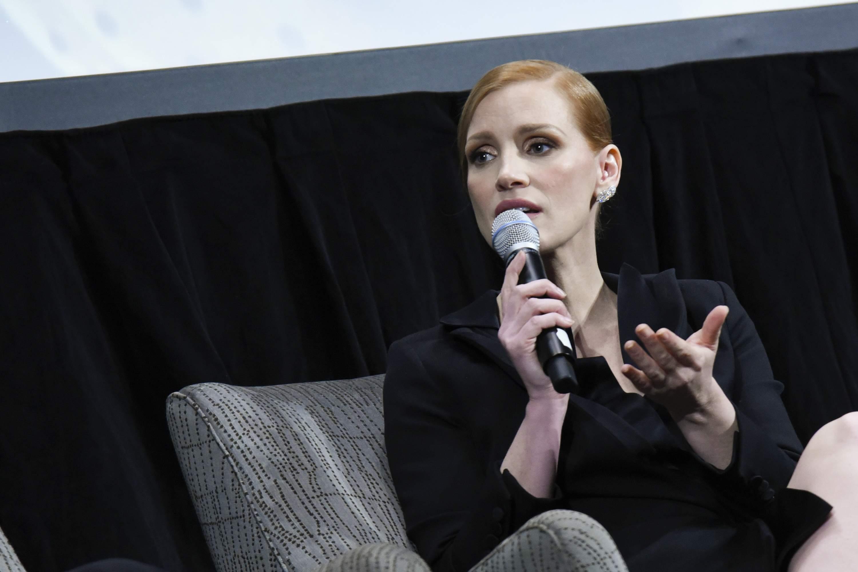 Jessica comparece à exibição de The Zookeeper's Wife em Washington