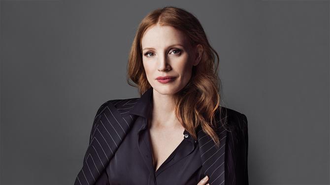 """Jessica na capa da edição """"Power of Women"""" da Variety"""