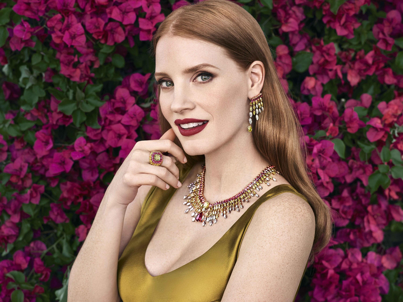 """CAMPANHAS   Jessica é a estrela da linha """"Sunlight Journey"""" da Piaget"""