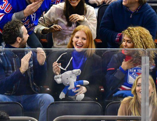 Jessica foi assistir ao jogo do New York Rangers
